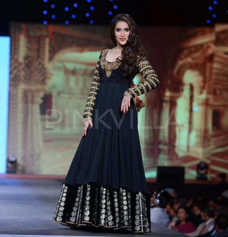 Vikram Phadnis Creation At Cpaa Fashion Show Anarkali Suits Fashion Salwar Suits