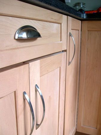 Kitchen Cabinets Ideas » Pulls For Kitchen Cabinets - Photos