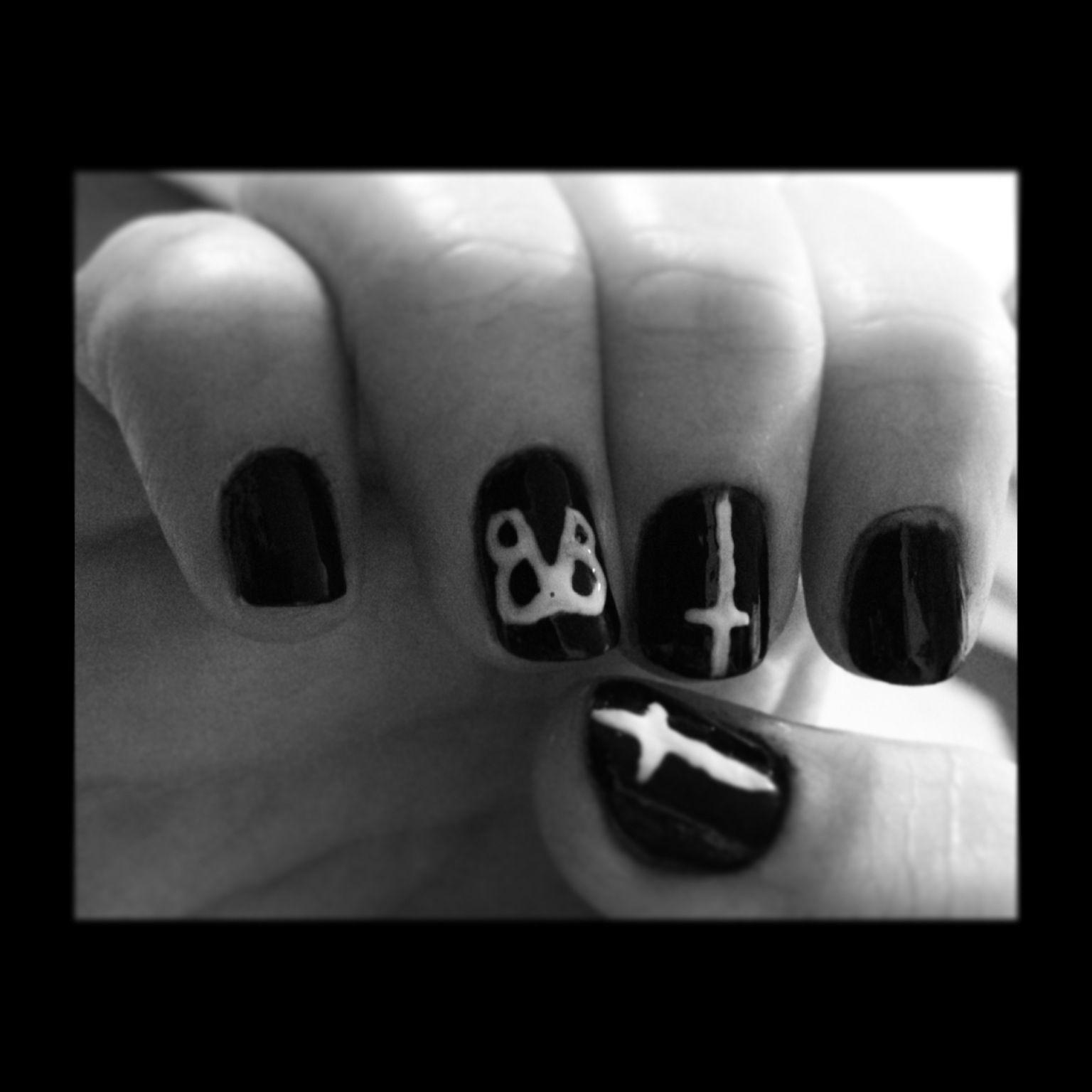 Black veil brides nails | Nails :) | Pinterest