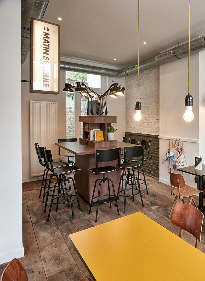 "Creneau International uses ""college"" elements at café"