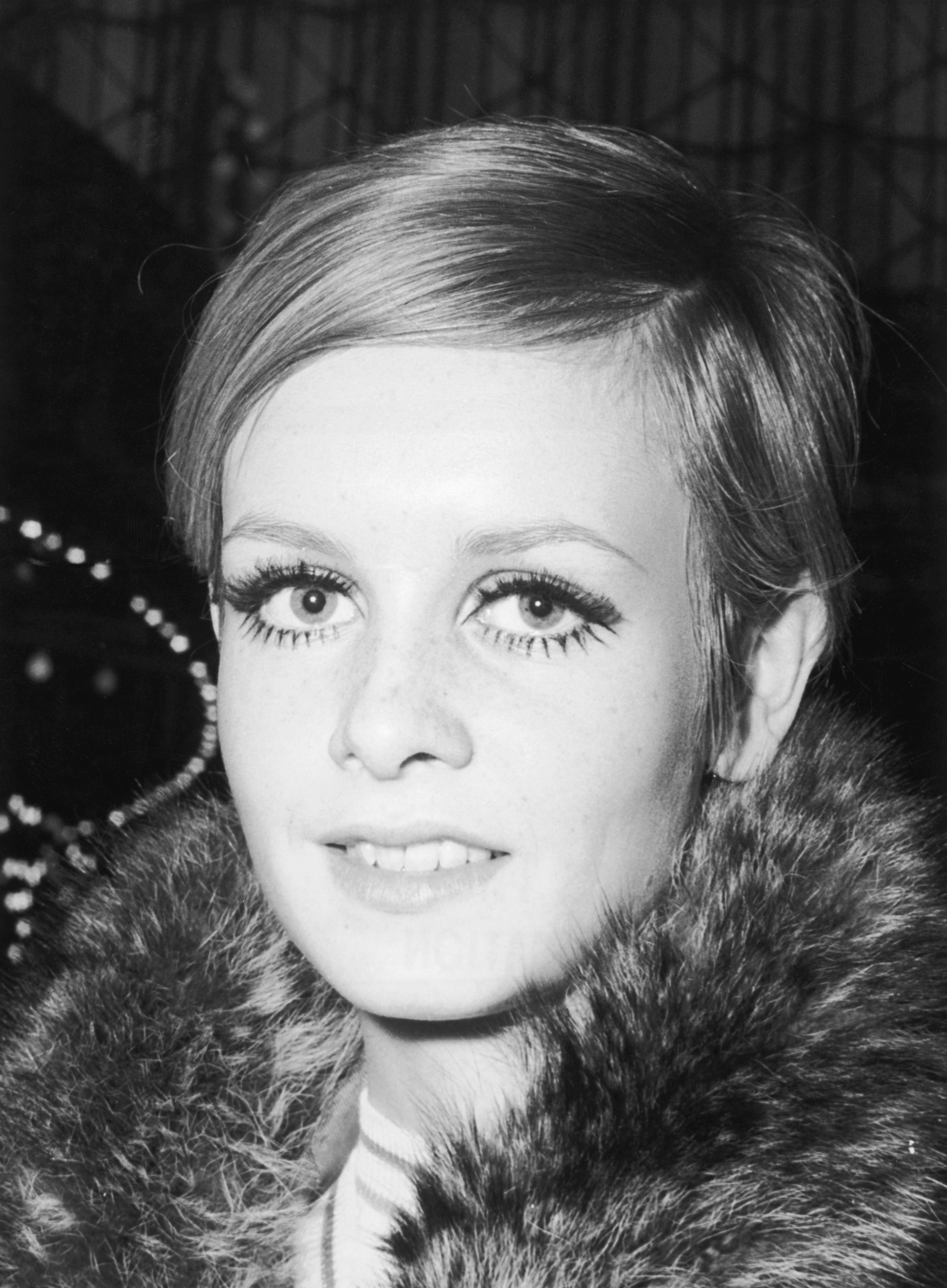 Coiffure 1960 Tendance Coiffure Sixties 70 Styles Coiffure Des Années