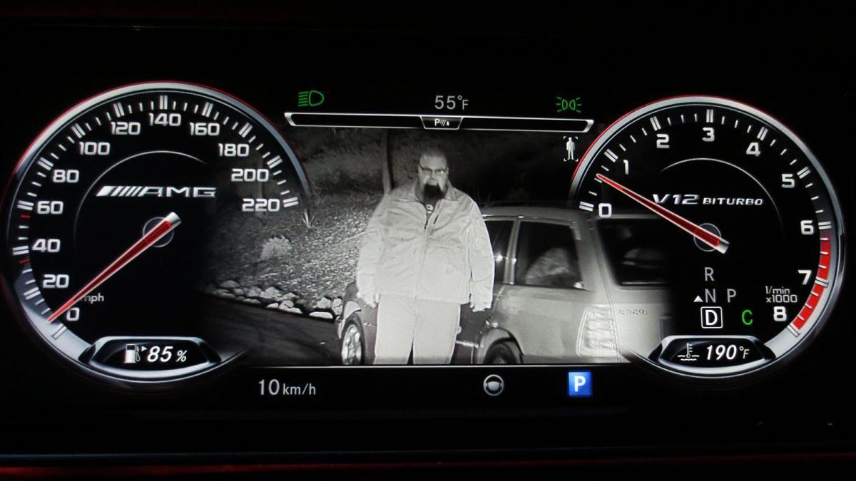 2015 mercedes benz s65 amg sedan night vision display for Mercedes benz night vision