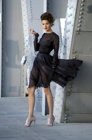 Dos And Donts For Wearing Black Dresses To Look Your Optimum For