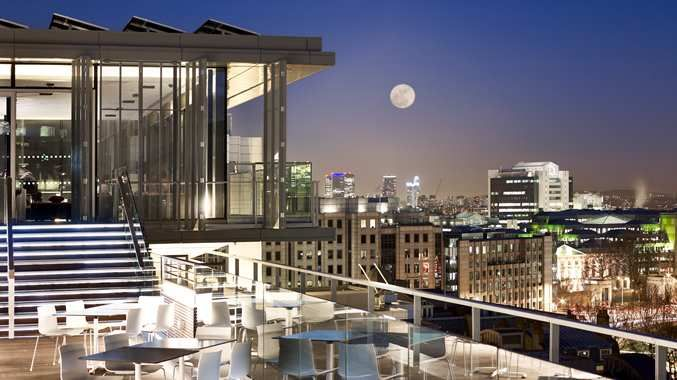 Skylounge At Double Tree By Hilton Hotel City Of London With