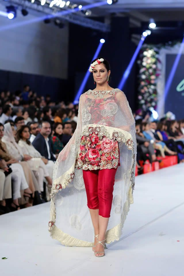 e07c111a03 2015 PFDC Loreal Paris Bridal Week Asifa Nabeel Collection Photo Gallery