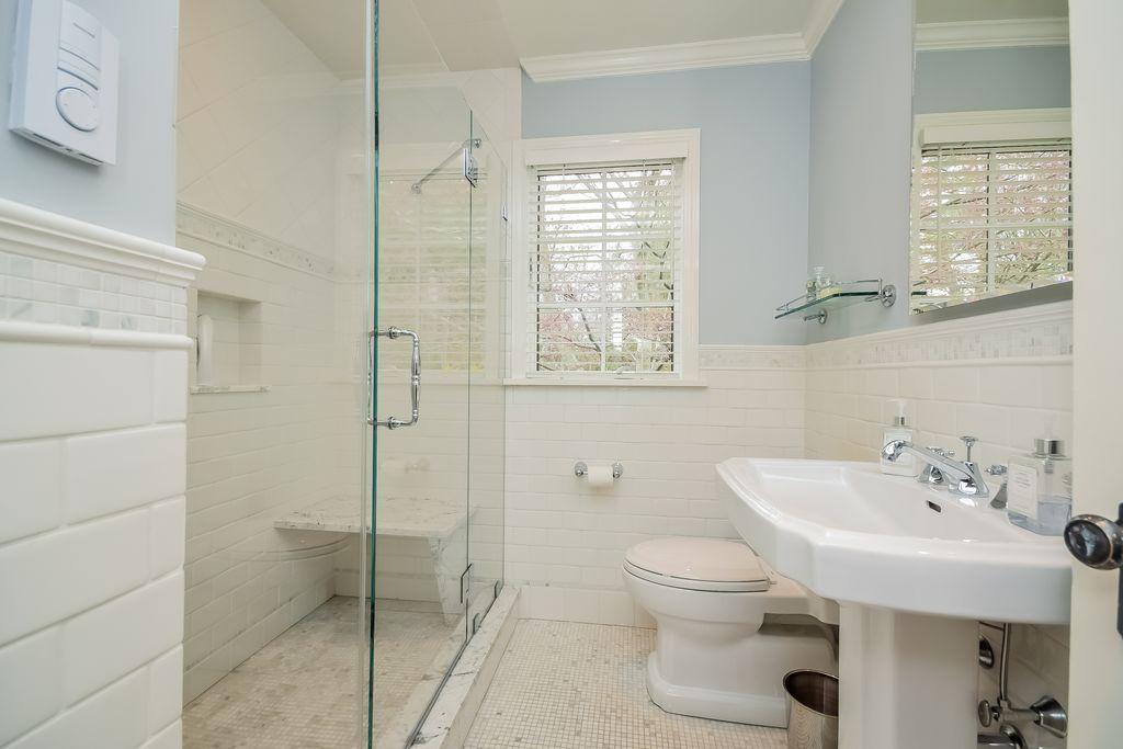 Traditional Full Bathroom With High Ceiling Complex Marble Tile Fair Bathroom Crown Molding 2018