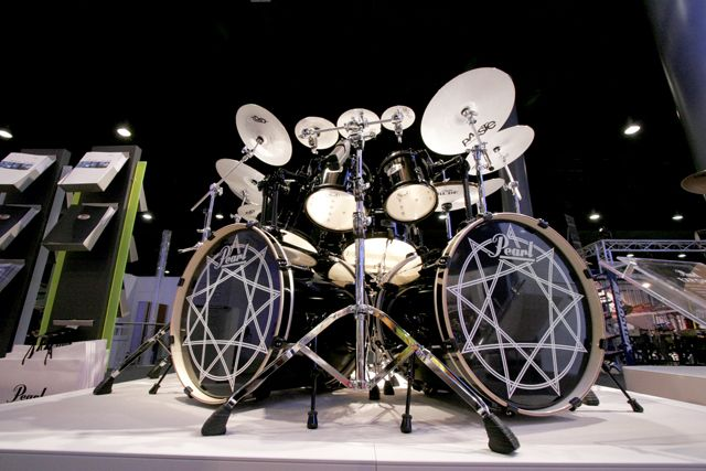 joey jordison 39 s kit with white paiste rudes drums and drumming drum kits percussion drums. Black Bedroom Furniture Sets. Home Design Ideas