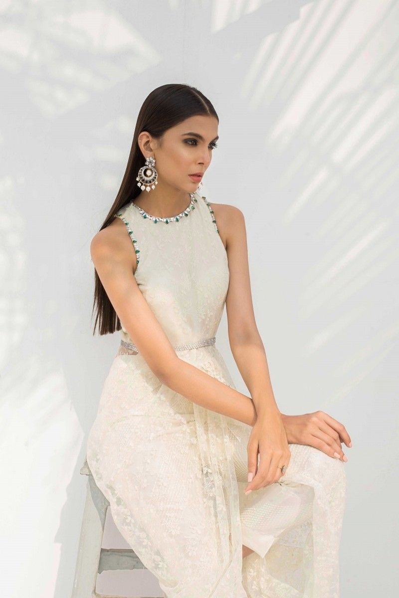 e172cc685d Sania Maskatiya launches the second edit of her LULU Winter Festive  collection - Karachista | Pakistani Fashion & Lifestyle Mag