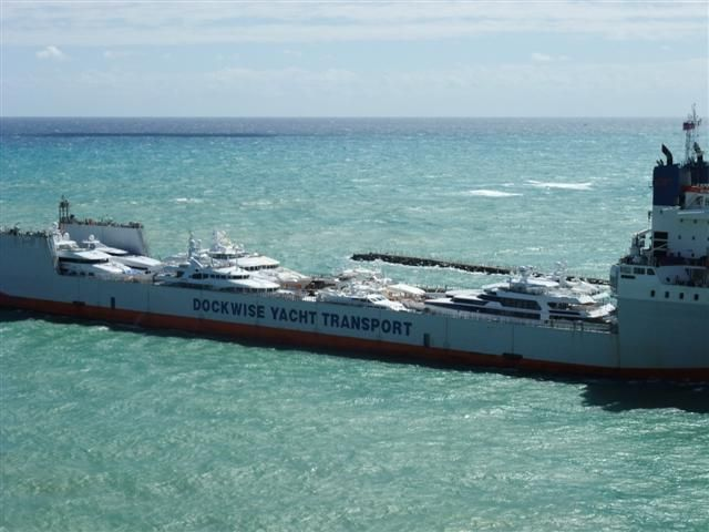 Le Grand Bleu Yacht Port Everglades Today In Fort Lauderdale Yachtforums Com Mega Yacht