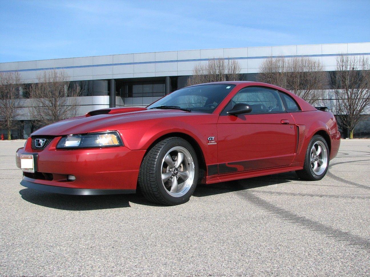 Mustang 2003