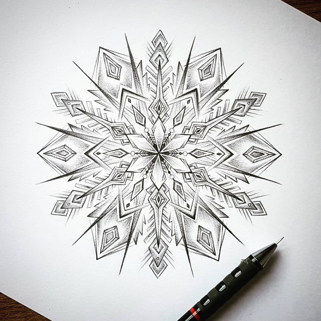 """Photo of Mandala Head (Mandala Art) on Instagram: """"♥ The one and only @dbdoodles! 👉 Follow for top mandalas: @mandalahead 👉 Follow the featured artist: @dbdoodles 👉 Use #mandalahead for…"""""""
