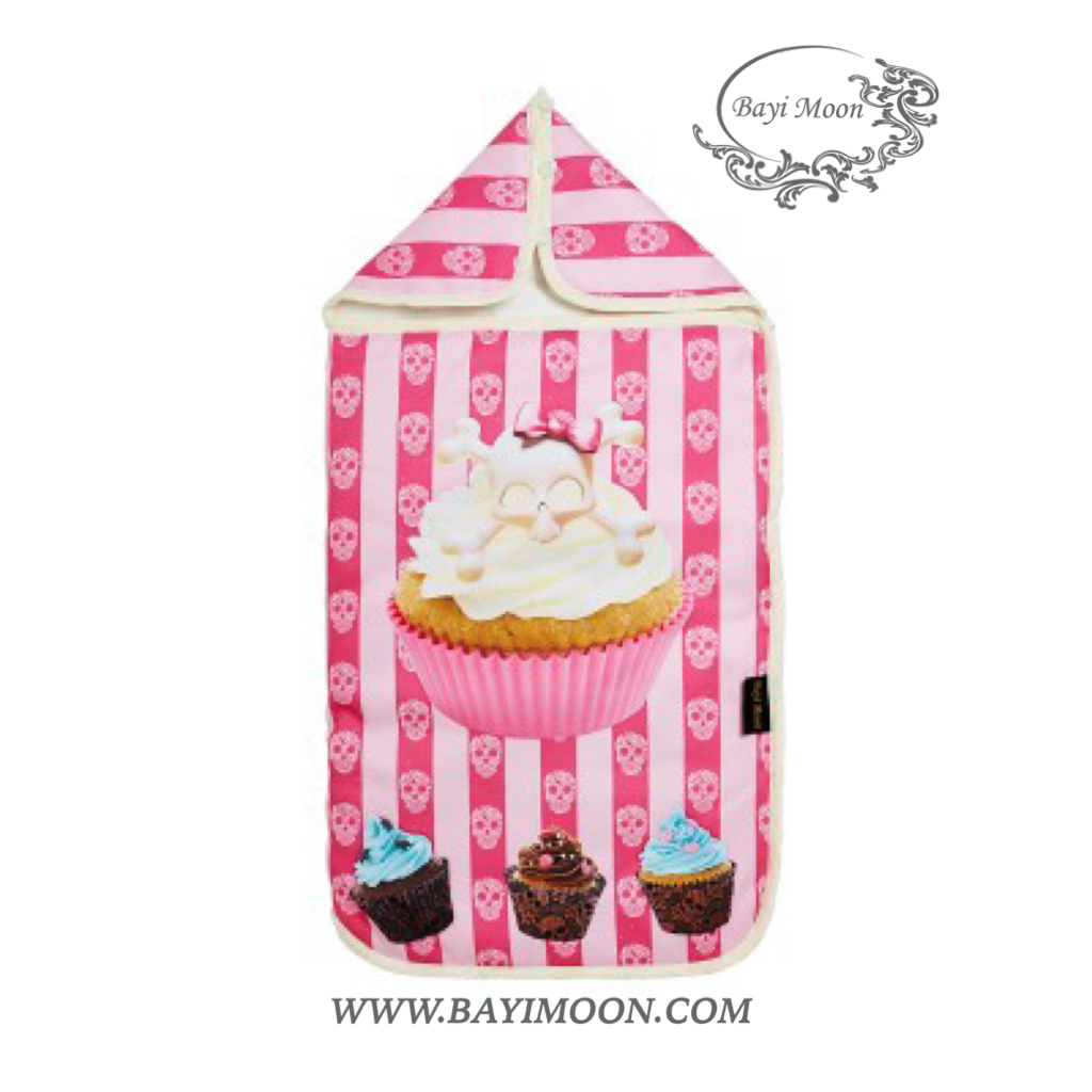 CUPCAKE SKULLY Cosy Cover is a universal footmuff designed