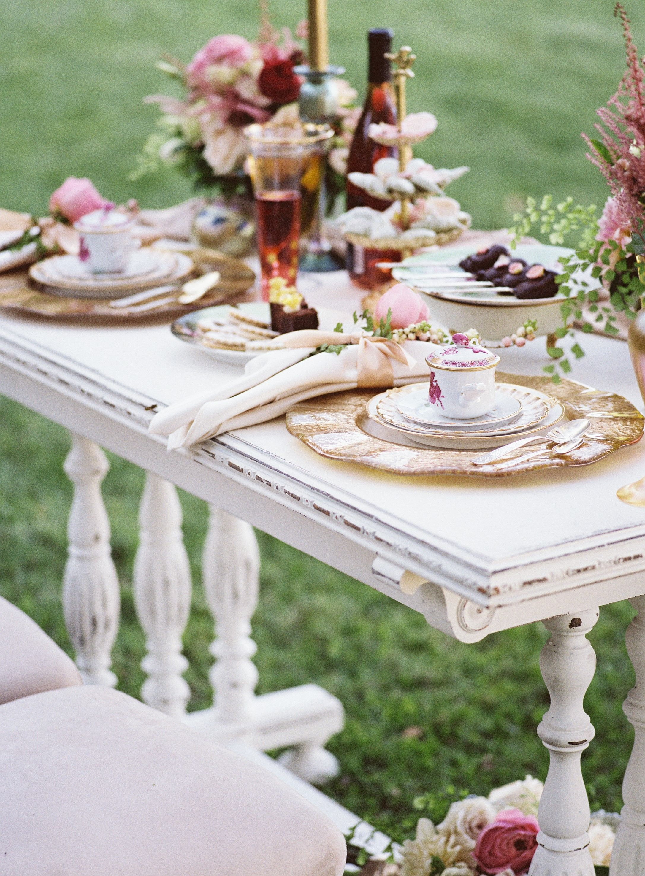 Bride And Groom Table, Vintage Sweetheart Table,  Https://partypleasersblog.wordpress.com, Http://instagram.com/partypleasers,