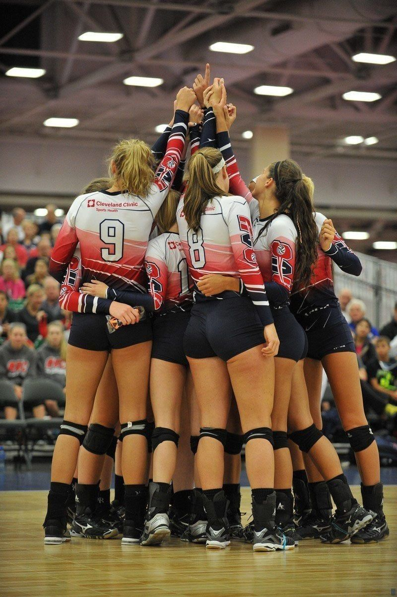 Pin By Abby H On Sport Women Volleyball Volleyball Photography Volleyball Uniforms