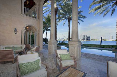 The 8,881 square foot oceanfront palace -- located on the ultra-exclusive La Gorce Island -- boasts 7 bedrooms, 8.5 baths ... and happens to be surrounded by famous neighbors like Cher and Lil Wayne.