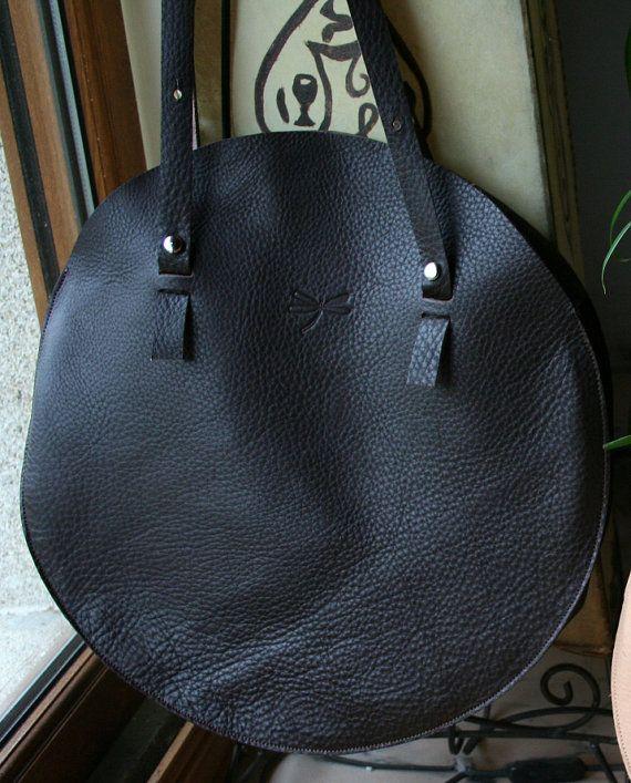 Large brown leather handbag. Handmade bag. Oversized por Ludena
