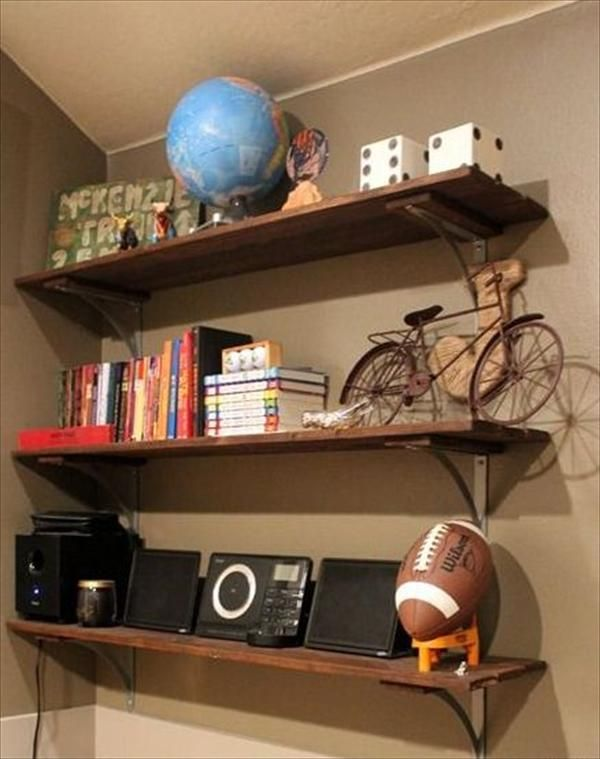 12 diy wooden shelves made from pallets pallet furniture diy rh ar pinterest com making garage wall shelves Building Floating Wall Shelves