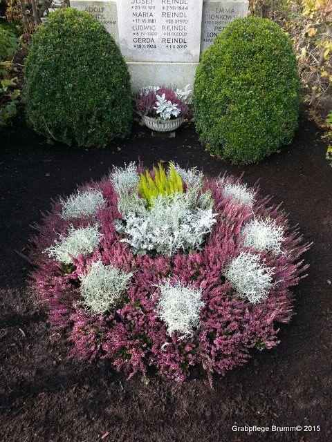 Bildergebnis für floristik grabgestaltung #friedhofsdekorationenallerheiligen