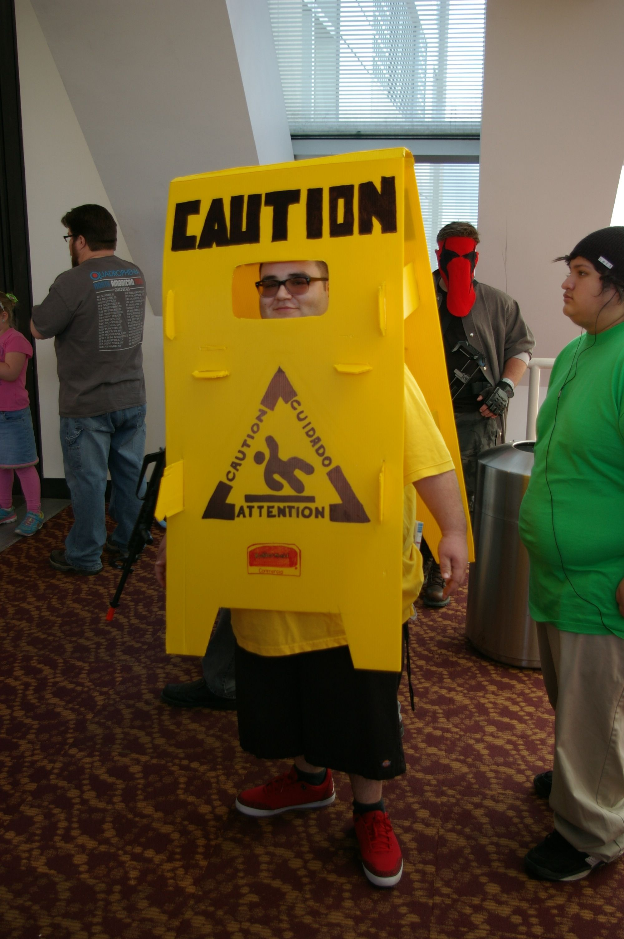 Cosplay a Caution sign? Why not!? ComiCon (PCC