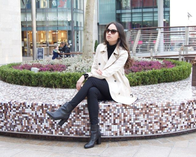 How to style a trench coat night