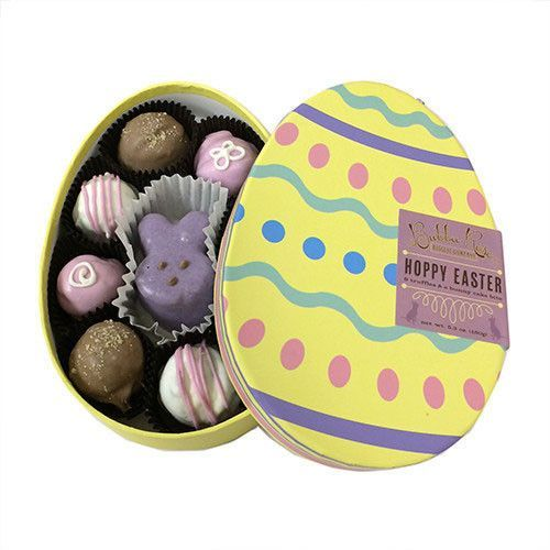 The Easter Egg Gourmet Dog Treat Box by Bubba Rose Biscuit Company is a cute and tasty Easter gift. This collection of dog treats includes eight crunchy spring truffle free-range chicken dog treats an