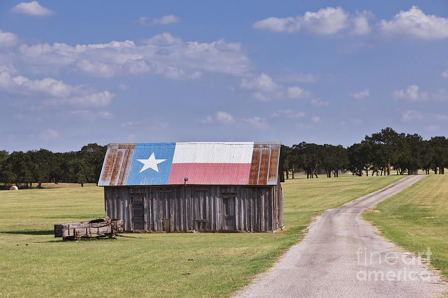Barn Painted As The Texas Flag By Jeremy Woodhouse Texas Flags American Barn Flag Painting