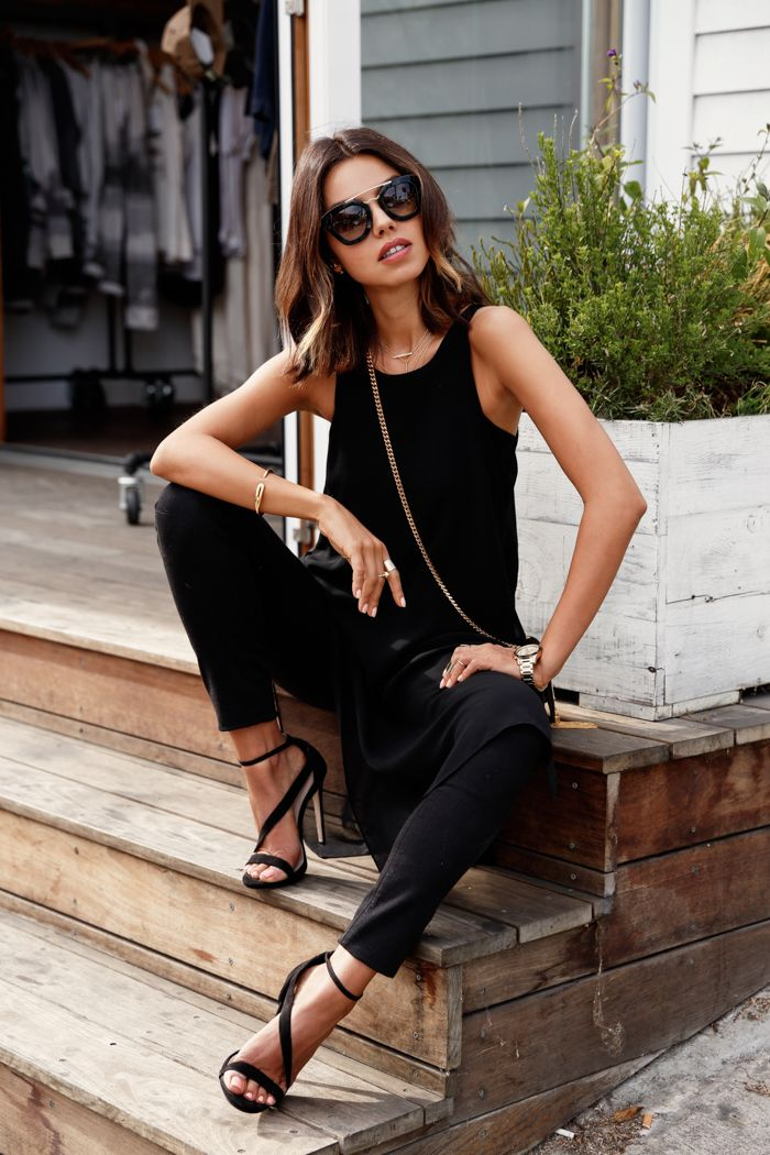 15 Chic Ways To Tie A Scarf: 15 Ultra-Chic Ways To Wear Black In Summer