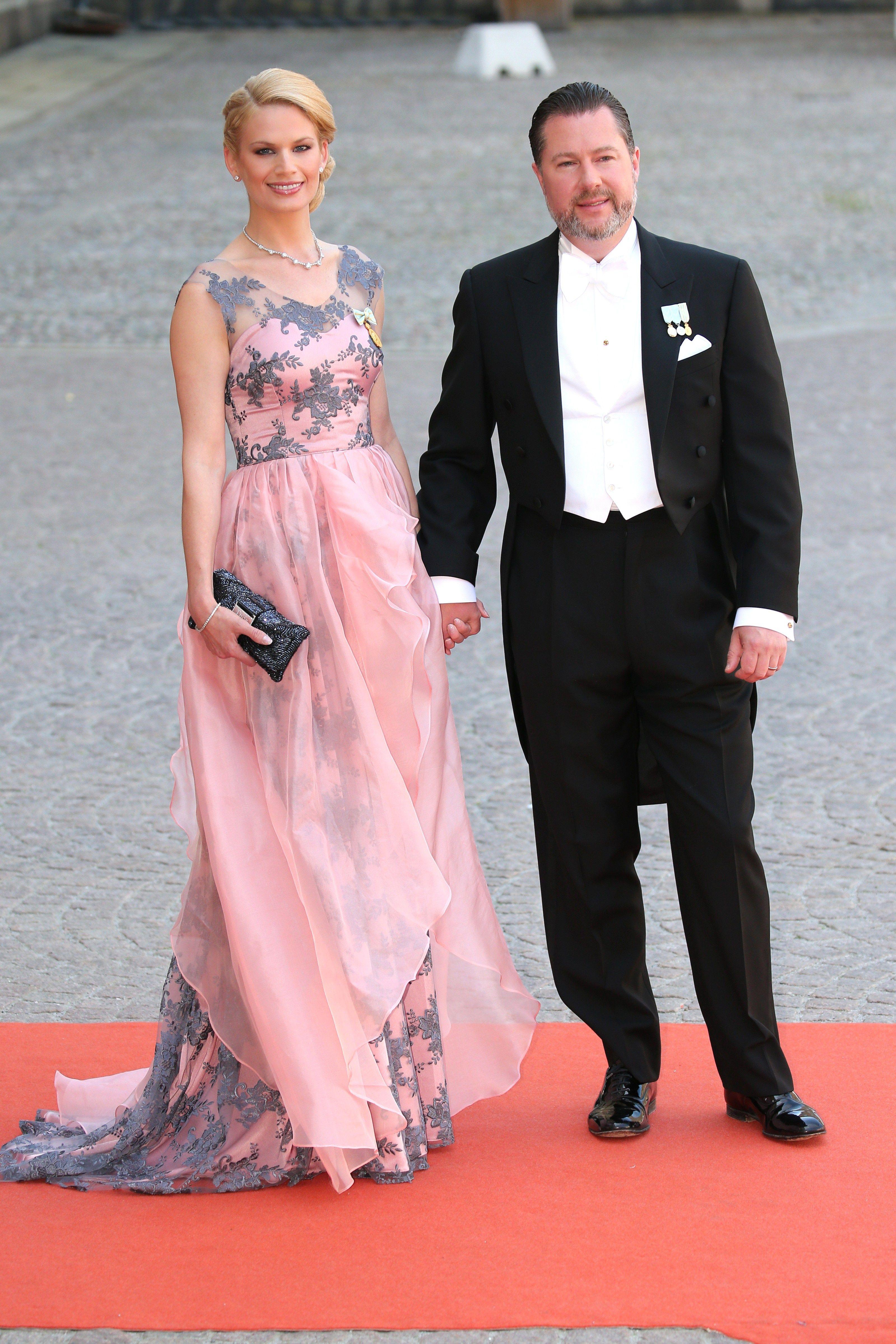 Atractivo Royal Wedding Suits Ideas Ornamento Elaboración Festooning ...