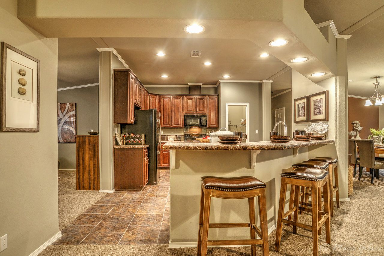 Gorgeous kitchen and bar area in the hacienda iii vrwd76d3 - Clayton homes terminator 4 bedroom ...