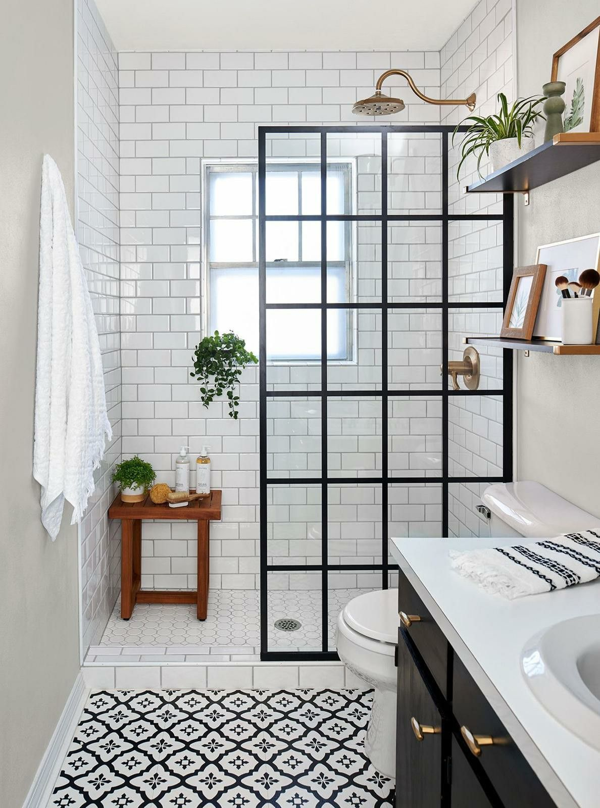 Pin By Noelle Duran On Deco In 2020 Small Bathroom Makeover Small Bathroom Remodel Diy Bathroom Remodel