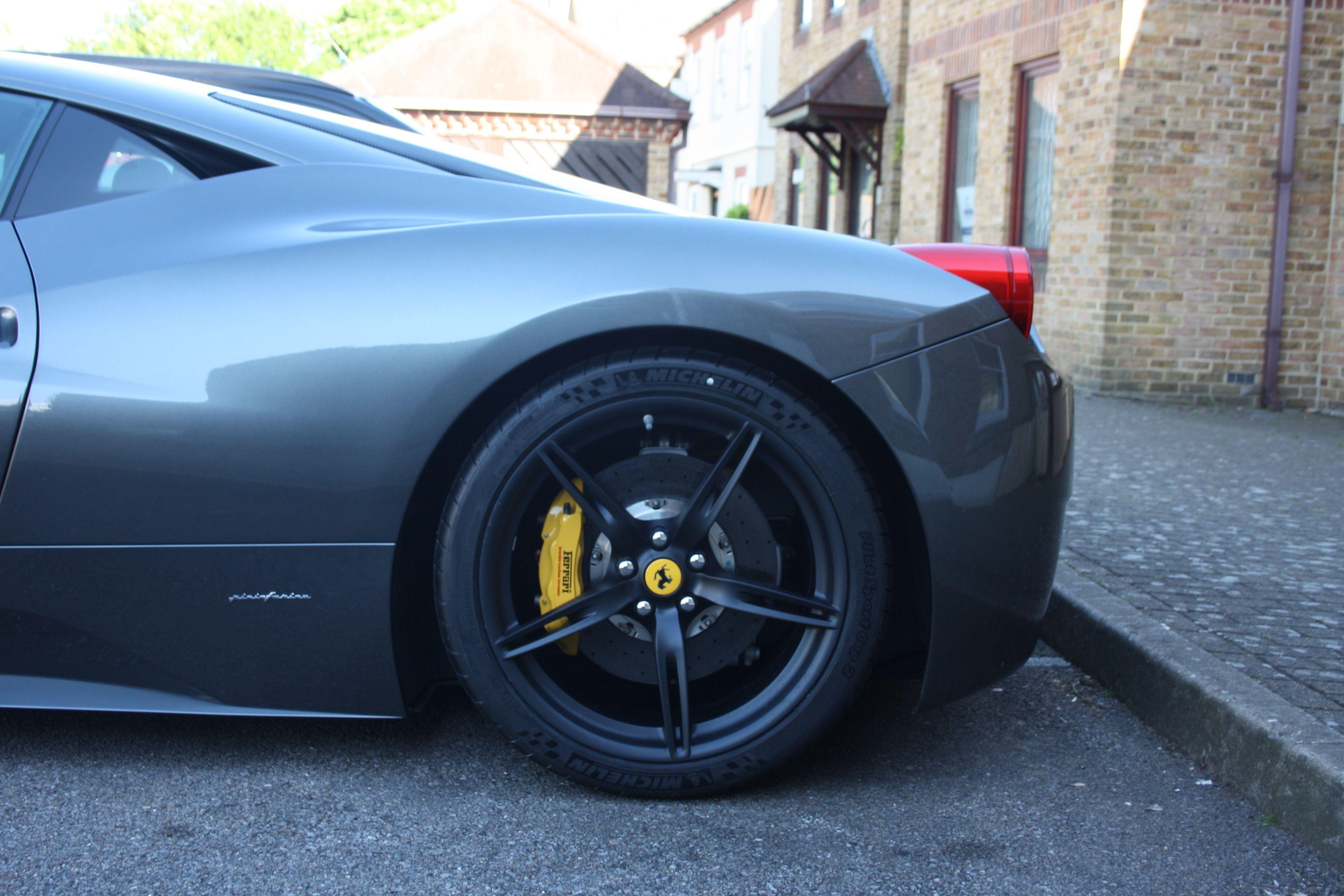 ferrari 458 italia fitted with genuine ferrari 458 speciale wheels novitec sport lowering. Black Bedroom Furniture Sets. Home Design Ideas