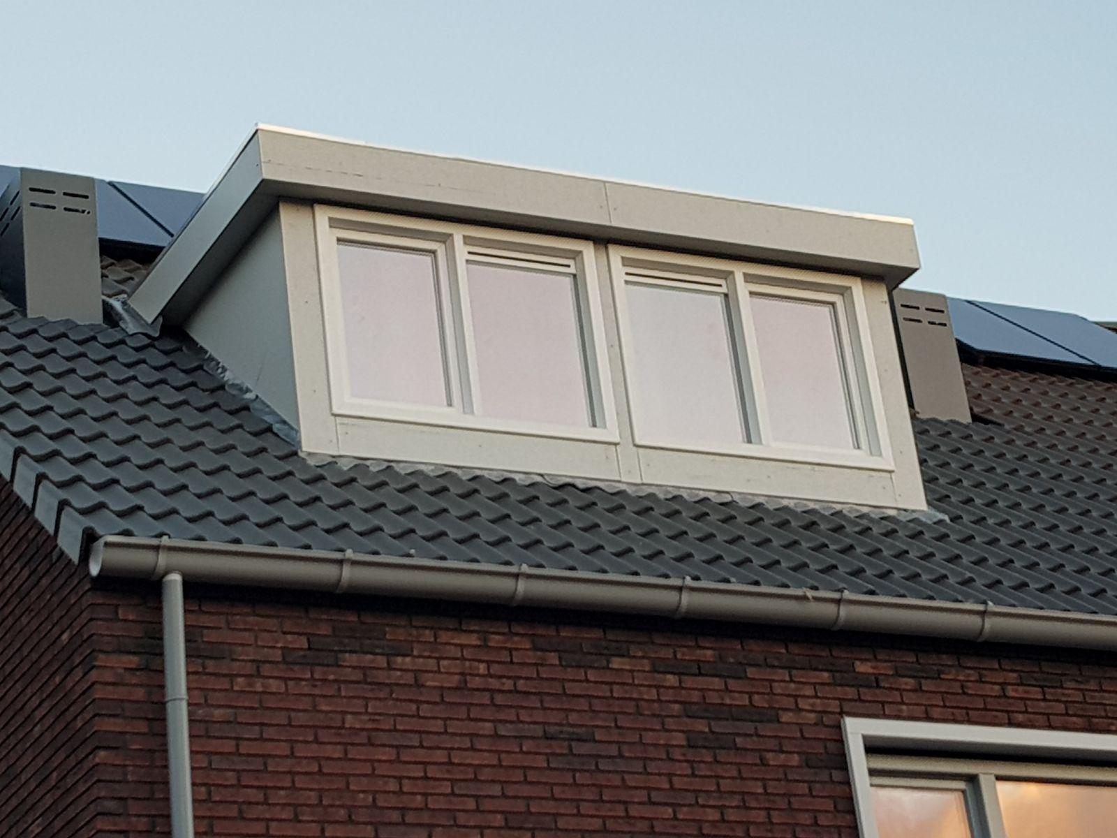 Eerste dakkapel nieuwbouw project Rotterdam ijsselmonde