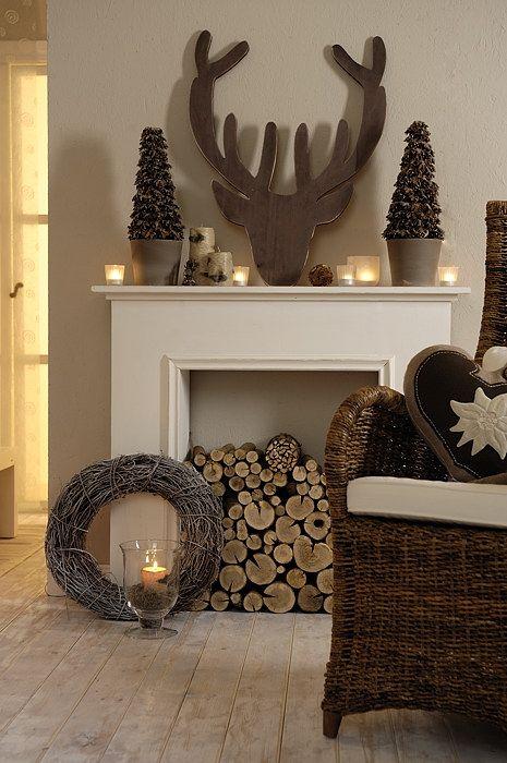 26 Amazing DIY Fireplace Mantel Christmas Makeovers Reindeer - designer mobel brabbu geschichten