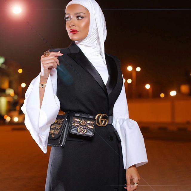 يذكرني القمر ظلك عجب ياللي ظلالك نور وانا اللي ماعرفت الليل لولا عتمة أهدابك Mrmr 4 Mrmr 4 Fashion Hijab Chic Modest Fashion