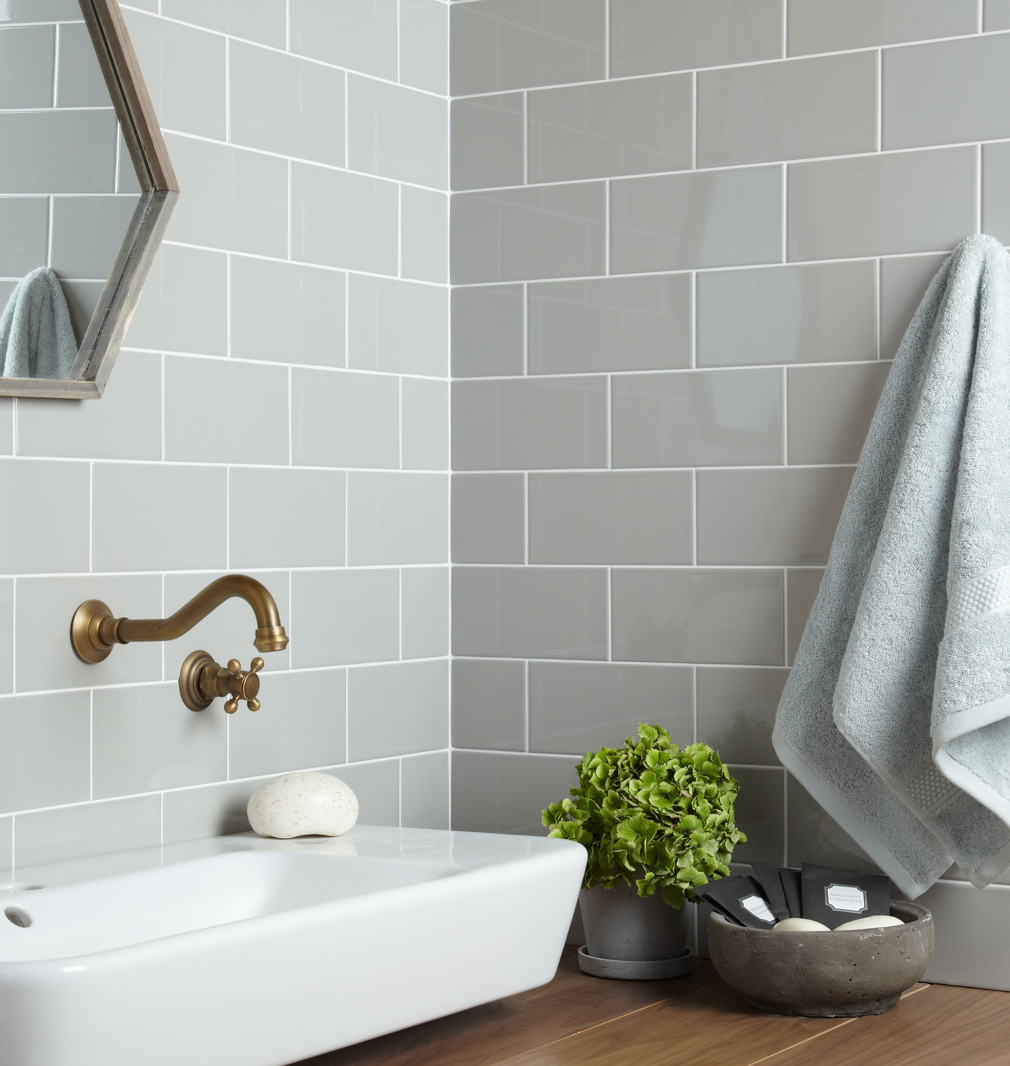 Verona Central Gloss Light Grey Ceramic Wall Tile Bathroom Wall Tile Grey Kitchen Tiles Brick Tiles Bathroom