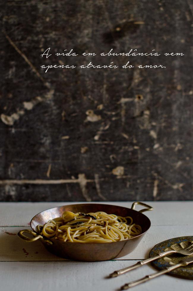 Esparguete de trufa e alho preto