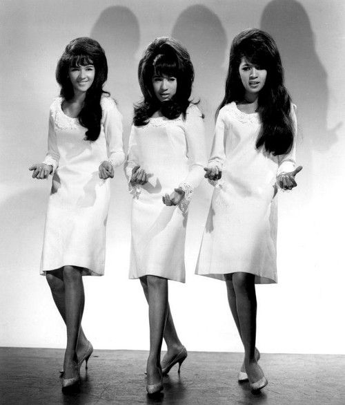 """RONETTES (1966) SPECTOR'S MAIN GIRL GROUP SINCE HE WAS ENAMORED OF LEAD SINGER RONNIE BENNETT, AND EVENTUALLY MADE HER HIS WIFE, WHICH  SHE SOON CAME TO  REGRET. """"BE MY BABY,"""" WAS THEIR GREATEST HIT IN 1962, REACHING #2 ON THE BILLBOARD HOT"""