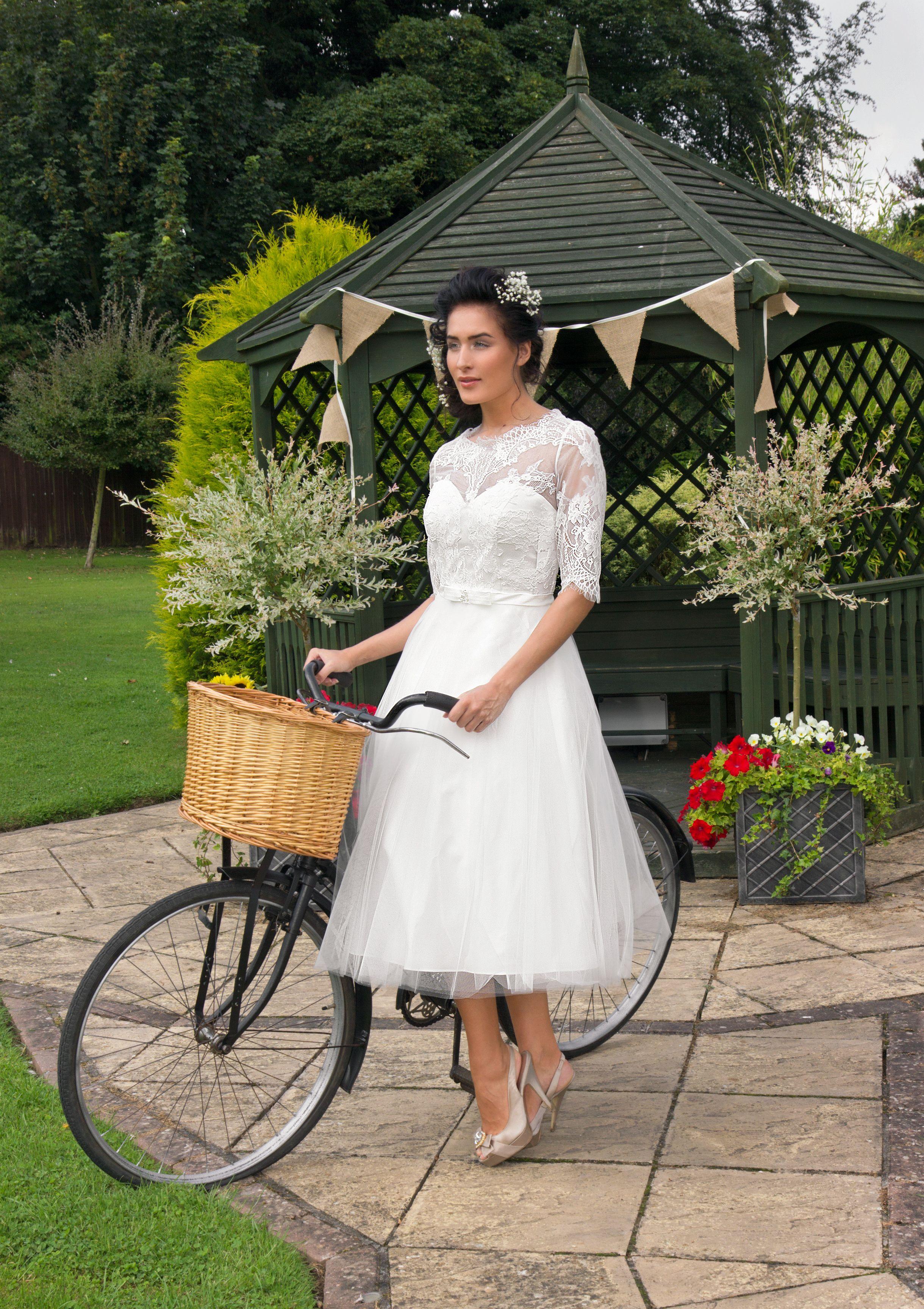 Wedding Dress Outlet - Brides & Bridesmaids Burton on Trent Complete ...