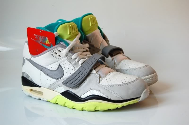 294bac0b3eb6 The Nike Air Trainer SC II Retro. Find this Pin and more ...