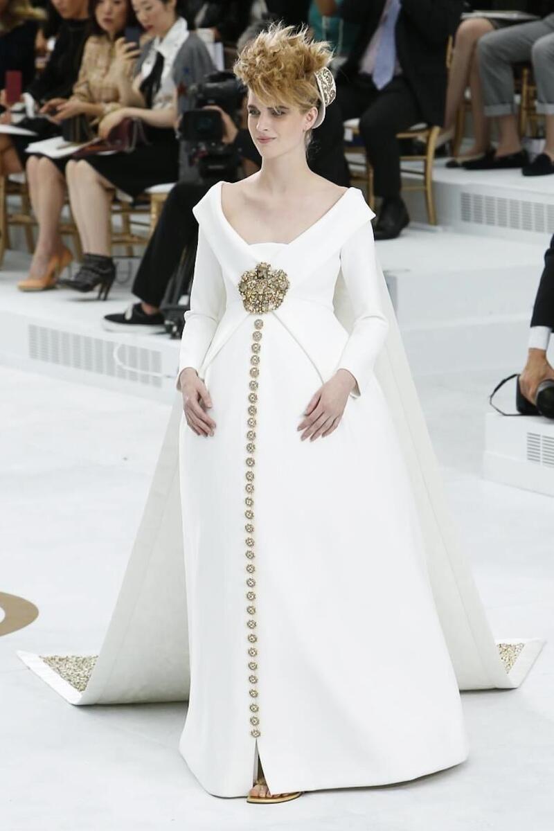 La novia embarazada de Chanel #vestidosdenovia #altacostura #Chanel