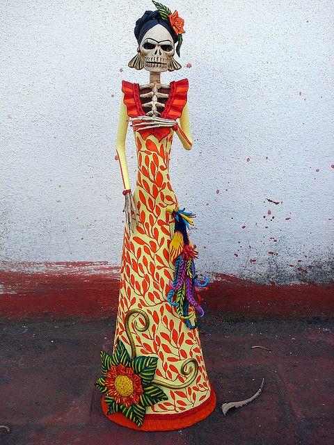 Catrina Frida Kahlo en amarillo. by el_catrinero, via Flickr