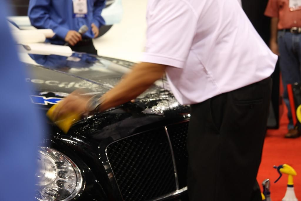 Last minute cleaning makes all the difference at 2012 SEMA