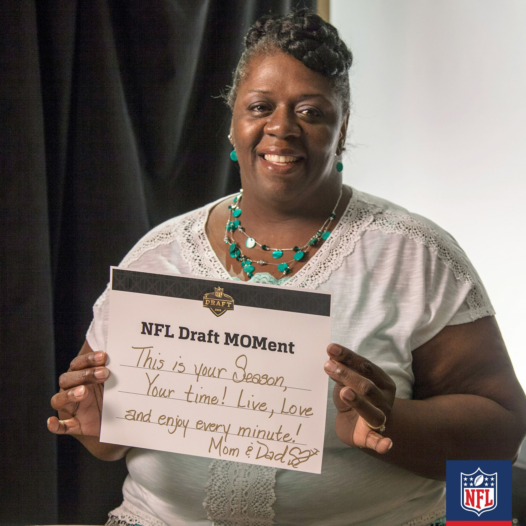 Cameron Erving Is About To Arrive In The City Of Cleveland But For Mom Linda Cameron Is Already A Big Star Click On The Nfl Players Nfl Football Players Mom