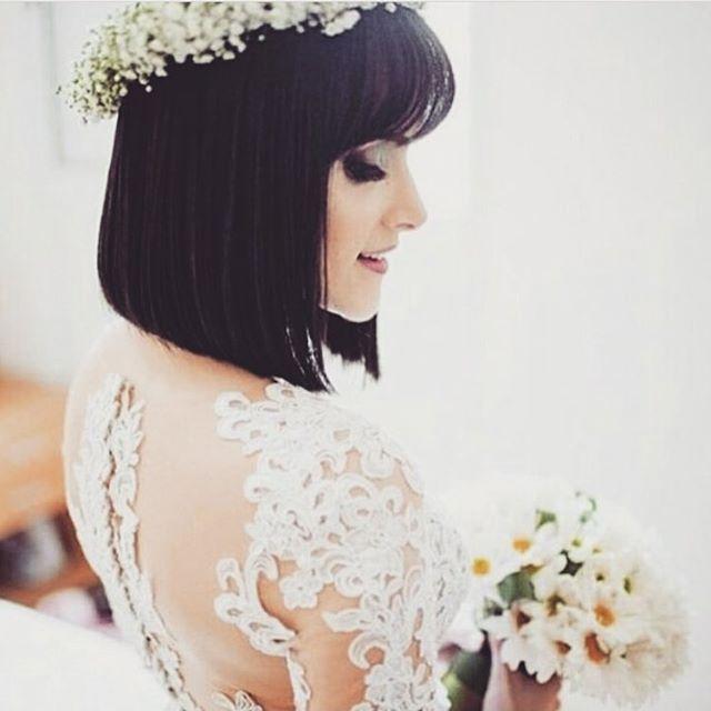 Paras noivas de cabelo curto.. Muito charme e personalidade!! Via @vidanovanoiva