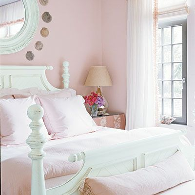 Go for a softer side of the preppy pink-and-green color combo in a bedroom.