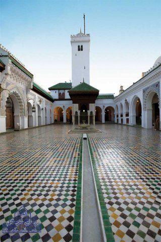 مساجد المملكة المغربية مسجد القرويين جامع القرويين بمدينة فاس Islamic Architecture Beautiful Mosques Architecture