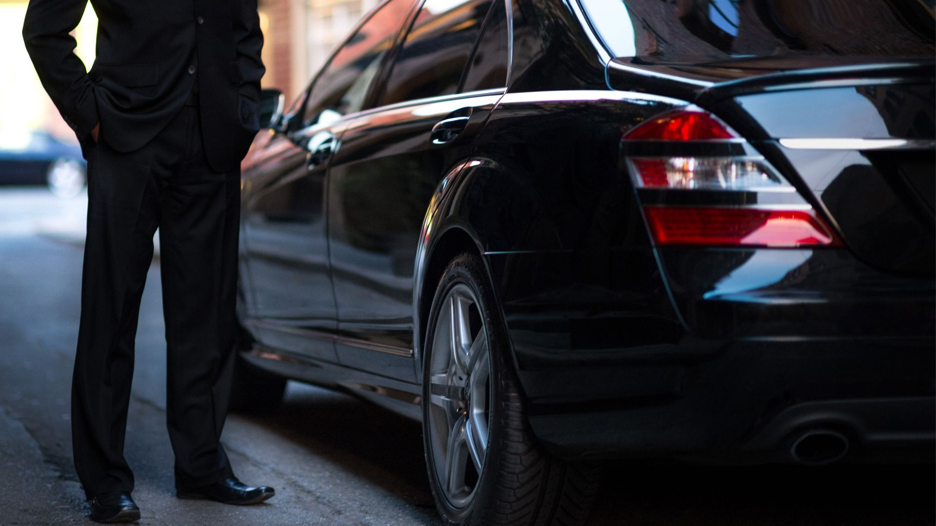 Hire the best Car Service in Los Angeles for comfortable