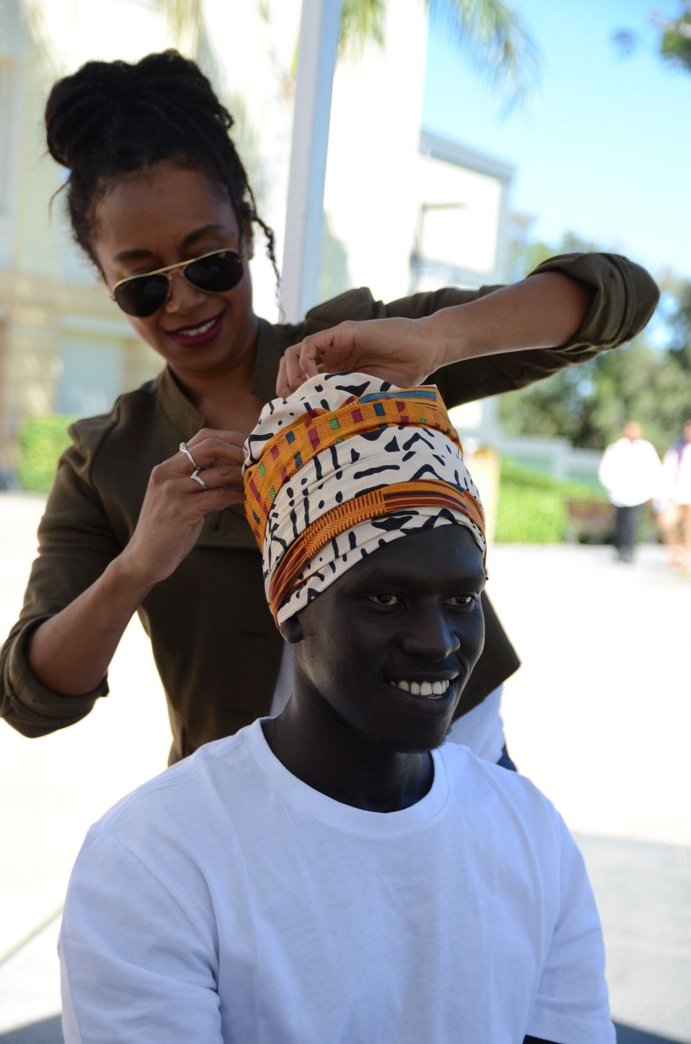 Diva Headwraps brand ambassador Gracey Bee assisted with