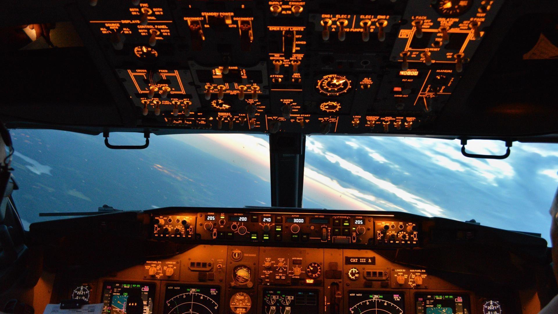 Boeing 737 Cockpit Wallpaper In 2019 Boeing 737 Cockpit