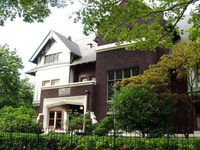 Shafer Baillie Mansion Bed & Breakfast Seattle, WA